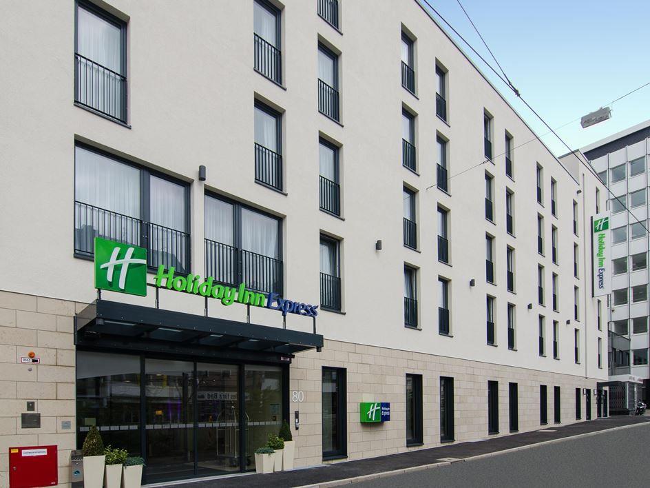 هتل Holiday Inn